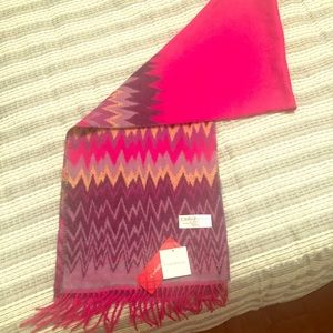 NWT Beautiful Scarf